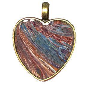 NWOT Wearable Art Pendant, Fluid Art Heart